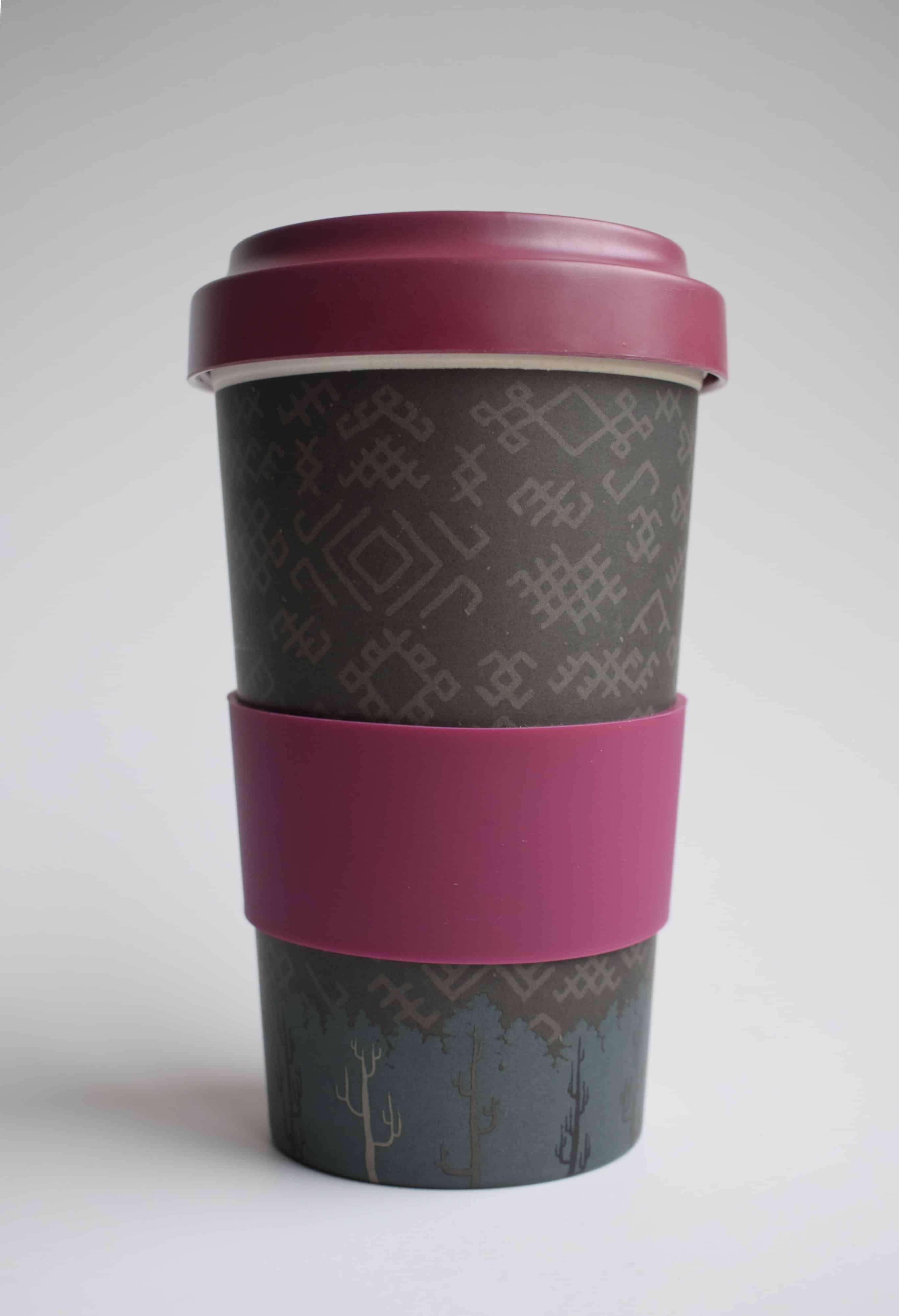 Bambuko puodelis išsinešti su tautiniais motyvais (alyvų spalvos)