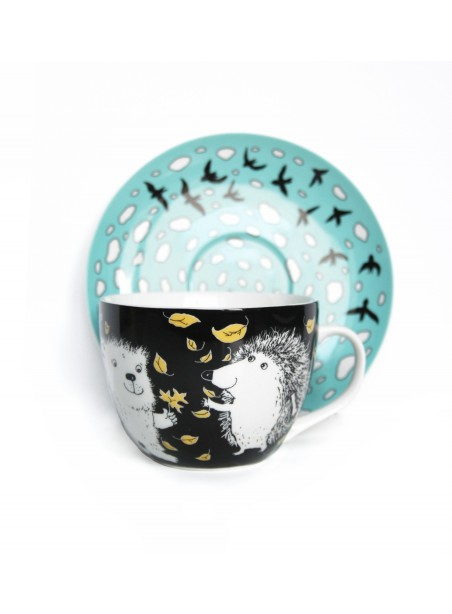 Kapučino kavos puodelis Ežiukas ir meškiukas rudenį