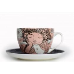 Kapučino kavos puodelis Su baltu ramybės paukščiu